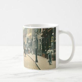 Toll Gavel, Beverley (1900) classic white mug