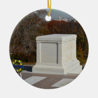 Tomb of the Unknown Soldier, Arlington Yellow Wrea Round Ceramic Decoration