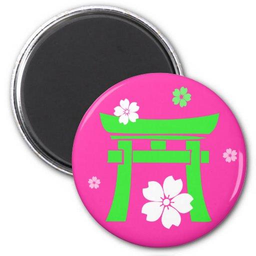 Torii (green & pink) 6 cm round magnet