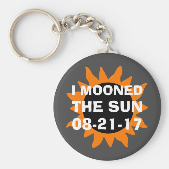 Total Solar Eclipse I Mooned the Sun Funny Basic Round Button Key Ring