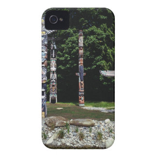 Totem poles, Vancouver, British Colombia Case-Mate iPhone 4 Cases