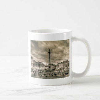 Tourists in Trafalgar Square, London Basic White Mug