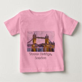 Tower Bridge, London Tshirts