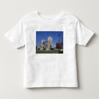 Tower Bridge, River Thames, London, England T Shirts