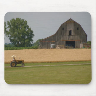 Tractor Mousepad: Tractor and barn Mouse Mat