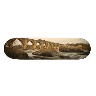 Train over James River 20.6 Cm Skateboard Deck