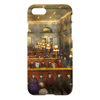 Train Station - Waiting in Grand Central 1904 iPhone 7 Case