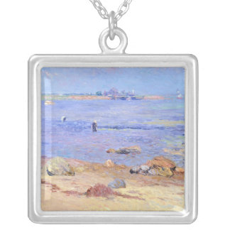 Treading Clams, Wickford Silver Plated Necklace