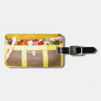Treasure chest cake luggage tag