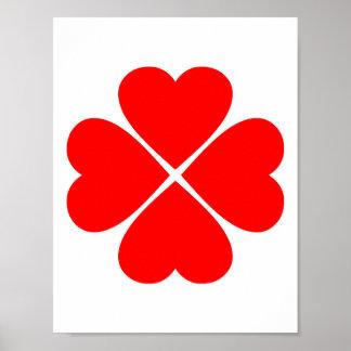 Trébol de la suerte y del amor con corazones rojos poster