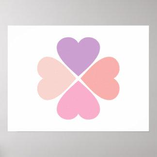 Trébol de suerte de corazones día de San Valentín Posters