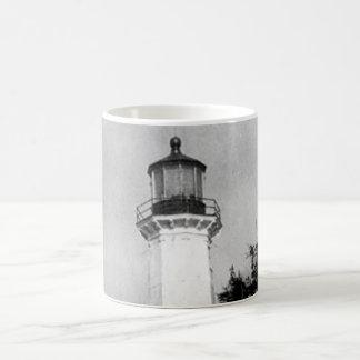 Tree Point Lighthouse Basic White Mug