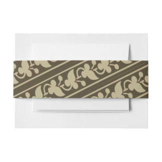 Trefoil Leaves and Berries Diagonal Invitation Belly Band