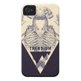 Trendium Vintage Symmetrical Skeleton Triangle iPhone 4 Cover