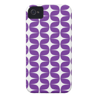 Trendy, Modern White & Purple Pattern iPhone 4/4s iPhone 4 Cover
