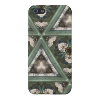 Triangle pattern iPhone 5/5S cover