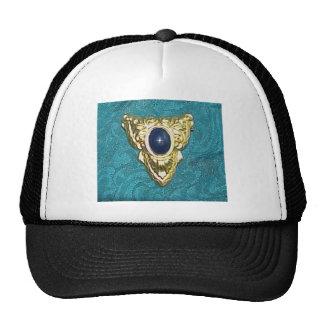 TRIANGULAR BROOCH MESH HAT