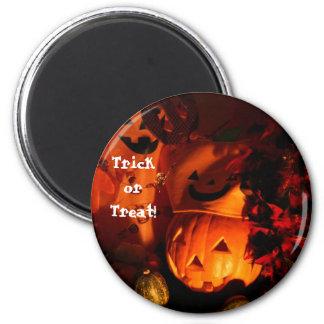 Trick or Treat! 6 Cm Round Magnet
