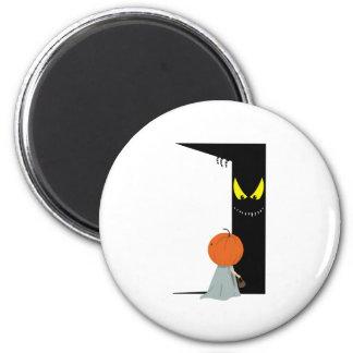 Trick or Treat ? 6 Cm Round Magnet
