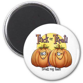 Trick or treat Smell my Feet 6 Cm Round Magnet