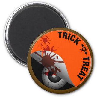 Trick or Treat : What's hiding inside? : 6 Cm Round Magnet