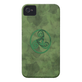 Triskell Green Ivy iPhone 4 Case-Mate Cases