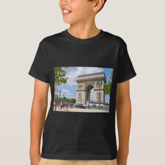 Triumphal Arch on Champs Elysees boulevard in Pari T-Shirt