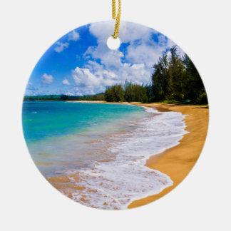 Tropical beach paradise, Hawaii Round Ceramic Decoration