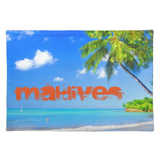 Tropical island in Maldives Placemat
