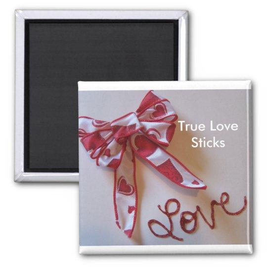 True LoveSticks magnet red
