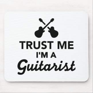 Trust me I m a guitarist Mousepad