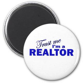 Trust Me I'm a Realtor 6 Cm Round Magnet