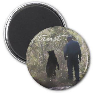 Trust round - Denise Beverly 6 Cm Round Magnet
