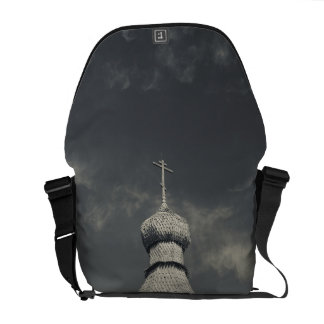 Ttraditional wooden Russian Orthodox church 3 Commuter Bags