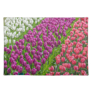 Tulips in three colours placemat