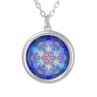 Tuning Round Pendant Necklace