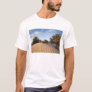 Tunisia, Sahara Desert, Douz, Great Dune, palm 2 T-Shirt