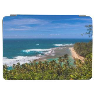 Tunnels Beach as seen from the Kalalau Trail iPad Air Cover