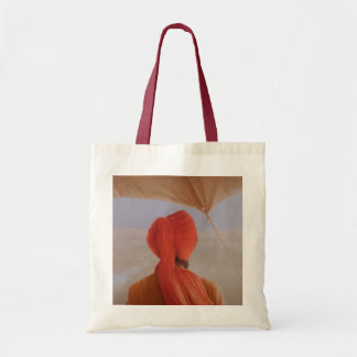 Turbaned backview with tenting budget tote bag