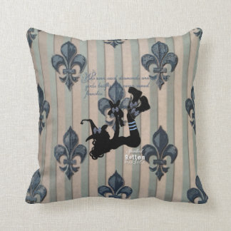 Twisted Vintage Throw Cushion