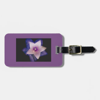 Two flowers in one luggage tag