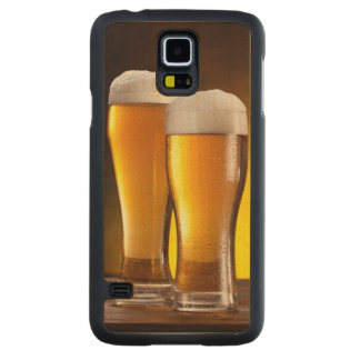 Two glasses of beers on a wooden table maple galaxy s5 slim case