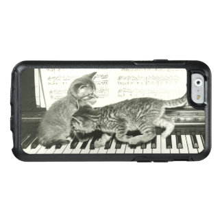 Two kitten playing on piano keyboard, (B&W) OtterBox iPhone 6/6s Case