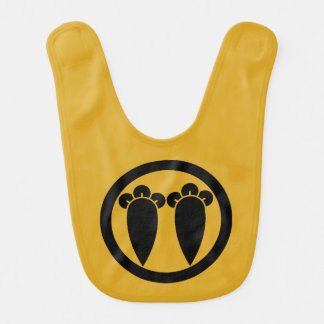 Two parallel cloves in circle baby bibs