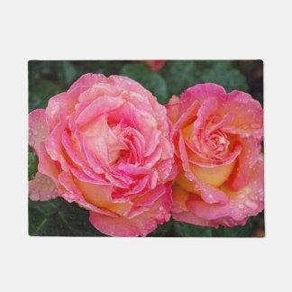 Two pink roses doormat