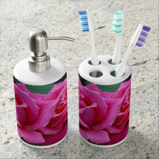 Two pink roses floral print bathroom set