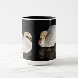 Two swans Mug