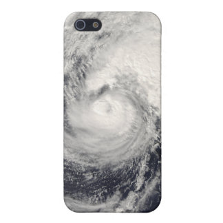 Typhoon Dolphin in the Philippine Sea iPhone 5/5S Cover