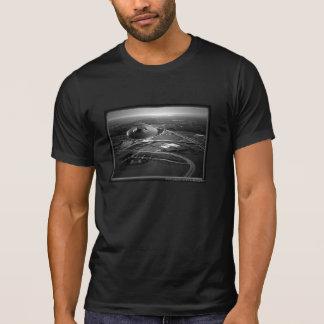 UFO Flying Over City - Men's T-Shirt