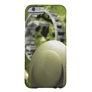 UFO investigating the site of Stonehenge as it Barely There iPhone 6 Case
